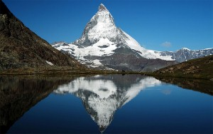 Beautiful-Matterhorn-mountain_Custom